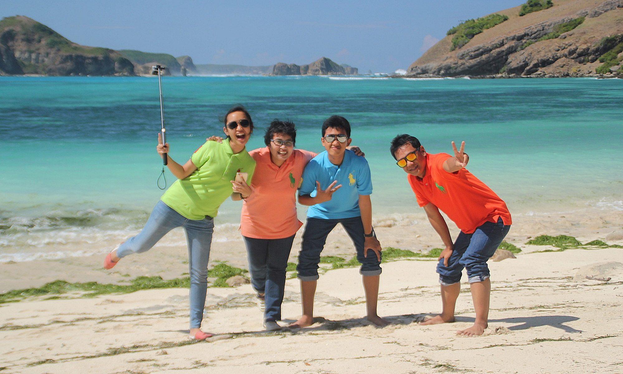 menjadi travel writer
