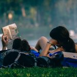 Penulis Wajib Liburan Sekali Seminggu, Apa Alasannya?